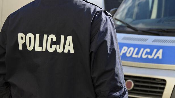 Policja zatrzymała trzy osoby Shutterstock