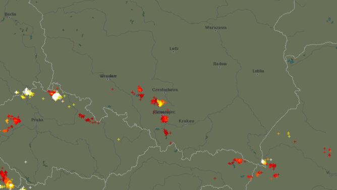 Burze na południu Polski. <br />Sprawdź, gdzie grzmi
