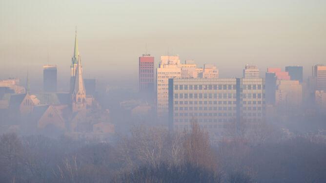 """Alarmujący raport w sprawie smogu. <br />""""Nie zostawia na rządzie suchej nitki"""""""