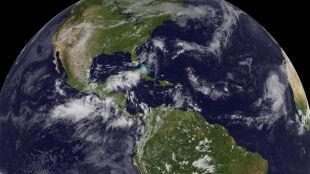 Na Atlantyku rozpoczyna się pora huraganów. NOAA prognozuje, jaki będzie miała przebieg