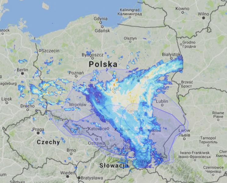 Strefa opadów nad Polską o godz. 15.10 (radar-opadow. pl)